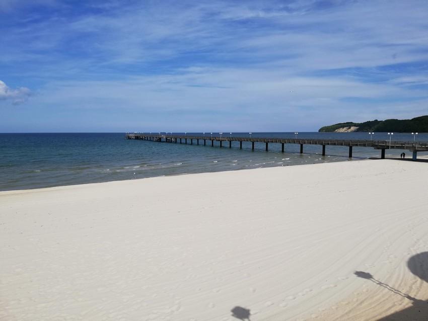 binzer strand mit seebrücke