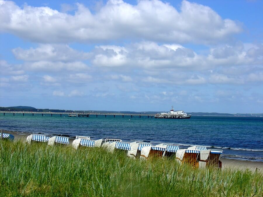 Sightseeing boats at the pier in BINZ
