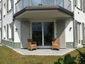 Terrasse und eigenr Garten Wohnung 13