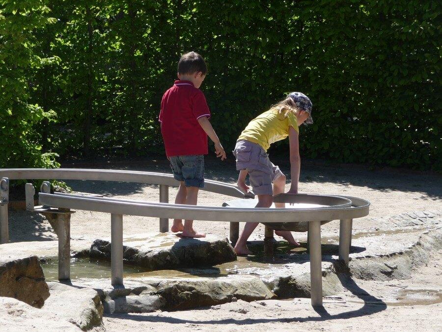 Wasserspielplatz Schmachter See im Park der Sinne