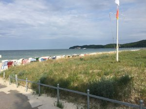 Strandaufgang und Strandkörbe in Binz