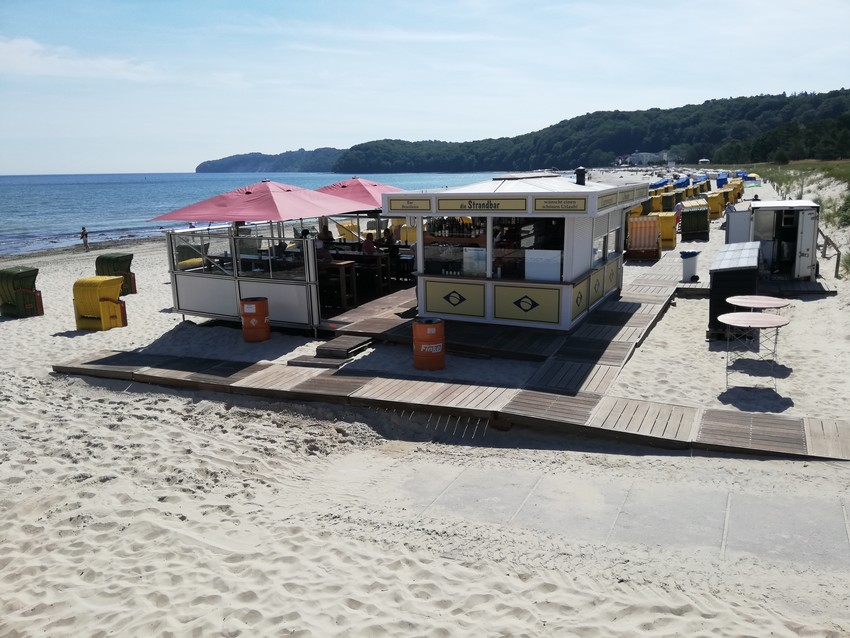 Die Strandbar neben der Seebrücke