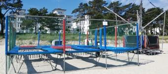 trampoline am binzer strand